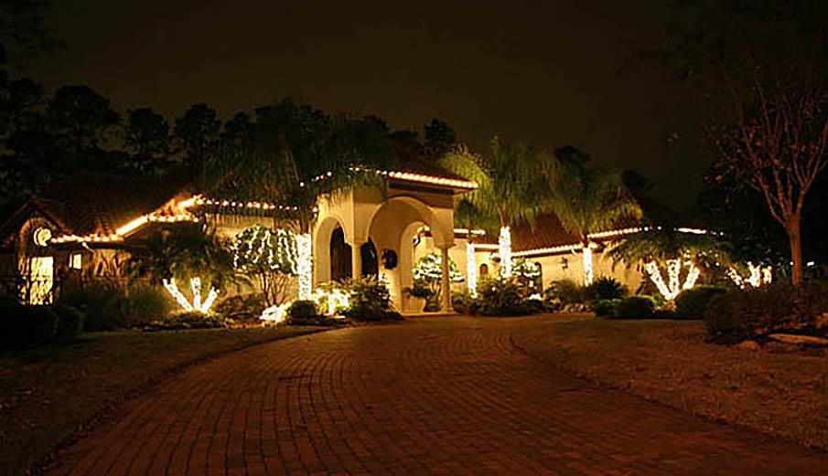Christmas Lights Installer.Outdoor Holiday Christmas Lighting Lights Installation